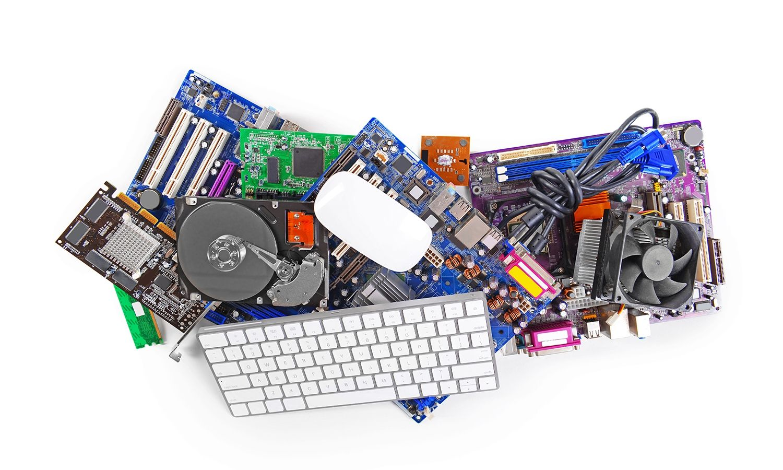 Collection de matériel informatique, comprenant une souris et un clavier