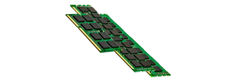Trois barrettes de mémoire d'ordinateur (RAM)